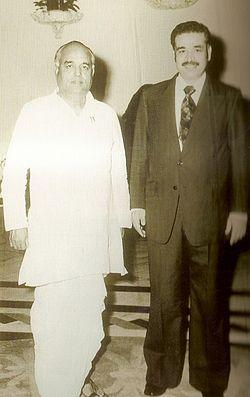 Kamaluddin with Vasantdada Patil.jpg