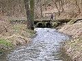 Kamenický potok, můstek pod hradem Zbořený Kostelec.jpg