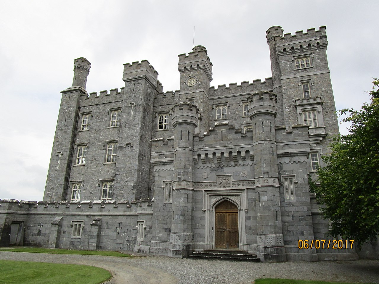 Close up of Killeen Castle