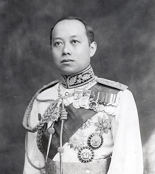 किपा:King Vajiravudh (Rama VI) of Siam.jpg