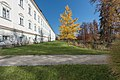 Klagenfurt Viktring Stift Sued-Trakt mit Park 01112015 8586.jpg
