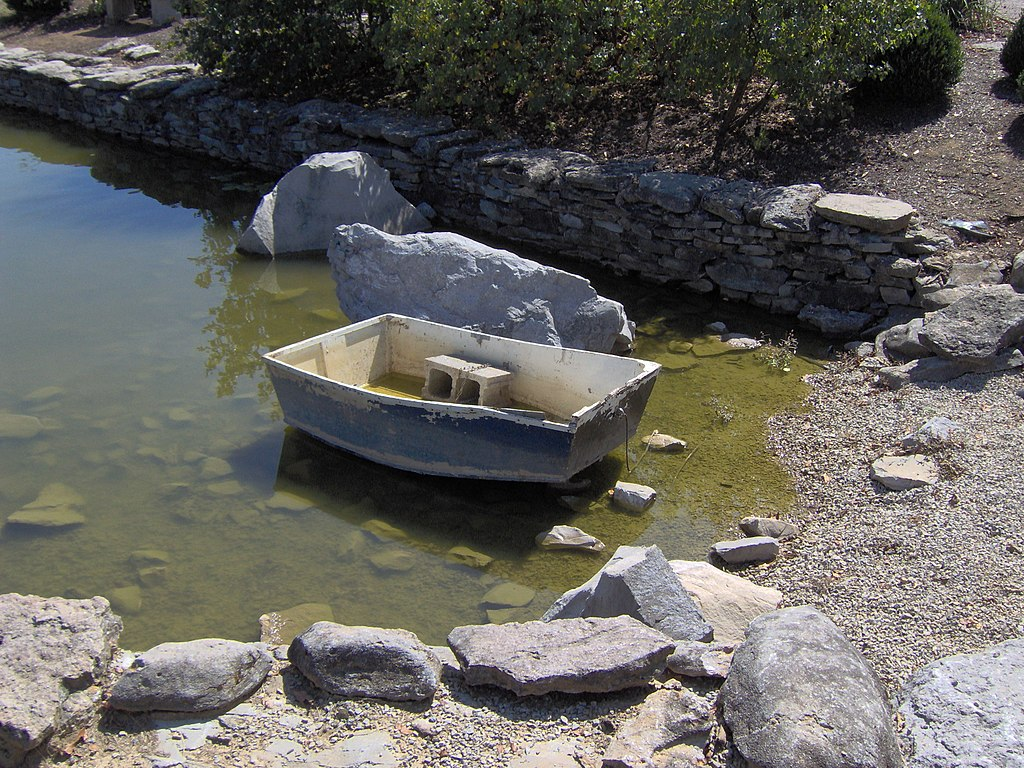 File Koi Pond Yuko En On The Elkhorn 2 Jpg Wikimedia Commons