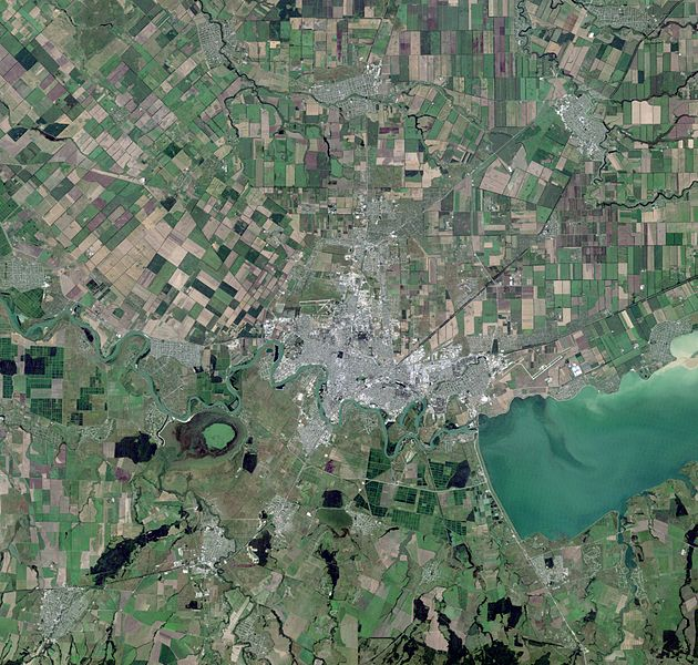 Файл:Krasnodar, Russia, city and vicinities, near natural colors, LandSat-5, 2010-07-28.jpg
