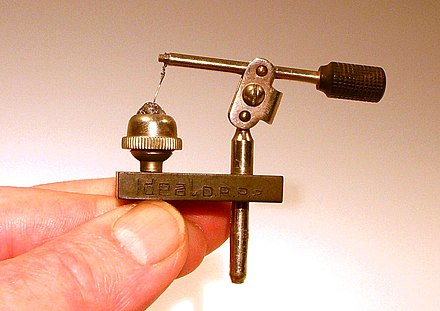 A galena cat's whisker detector from a 1920s crystal radio Kristallradio (3).jpg