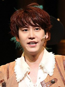 "Kyuhyun in ""The Three Musketeers"", 7 April 2013 04.jpg"