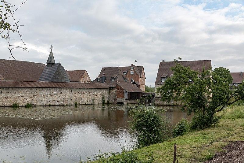 File:Lüdinghausen, Burg Kakesbeck -- 2016 -- 3672.jpg
