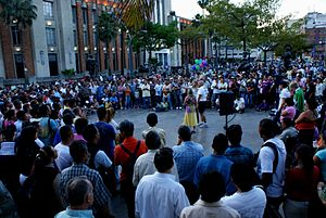 Large-crowd-in-plaza-in-latin-country.jpg