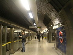 London Bridge Jubilee Platforms.JPG