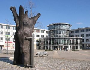 Ludwigsfelde - Town hall, inaugurated in 1996, with sculpture Stundeneiche