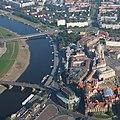 Luftbild der Dresdner Altstadt am Elbufer, 2008.jpg