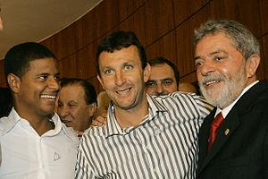 Neto (footballer) - Neto (centre) with ex-president Lula (right) and the retired footballer Marcelinho Carioca (left)
