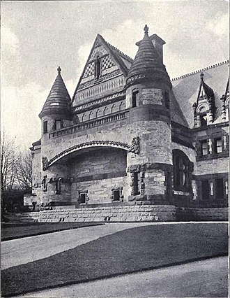 Lululaund - The wide segmental arch across most of the frontage. c 1910