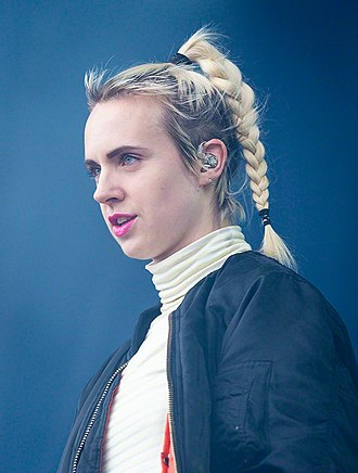 MØ - MØ performing at Stavernfestivalen in 2016
