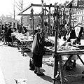 Maastricht, marktkramen wild & gevogelte, 1954.jpg