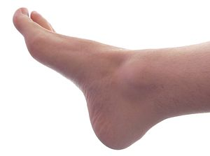 English: Grown male right foot (angle 1).
