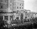 Mannerheim saapuu Keskustorille Tampereen valtauksen vuosipäivänä 6.4.1919 (26365984183).jpg
