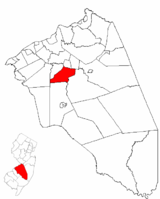 Lumberton Township highlighted in Burlington County. Inset map: Burlington County highlighted in the State of New Jersey.