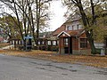 Maršovice (okres Benešov), autobusová zastávka a telefoní budka.JPG
