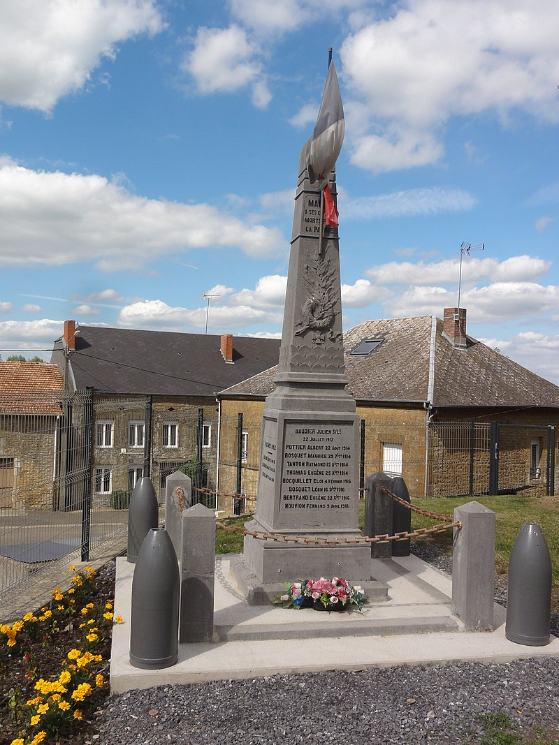 Marby (Ardennes) monument aux morts.JPG