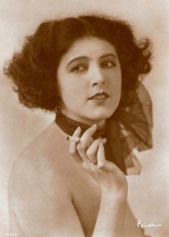 Marcella Albani - Image: Marcella Albani 1927 29 Alexander Binder 001