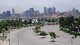Marginal Avenida 4 de Fevreiro Luanda March 2013 (cropped).JPG