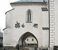 Maria Gail Pfarrkirche Vorhalle Suedwand mit Steinreliefs 12012008 09.jpg