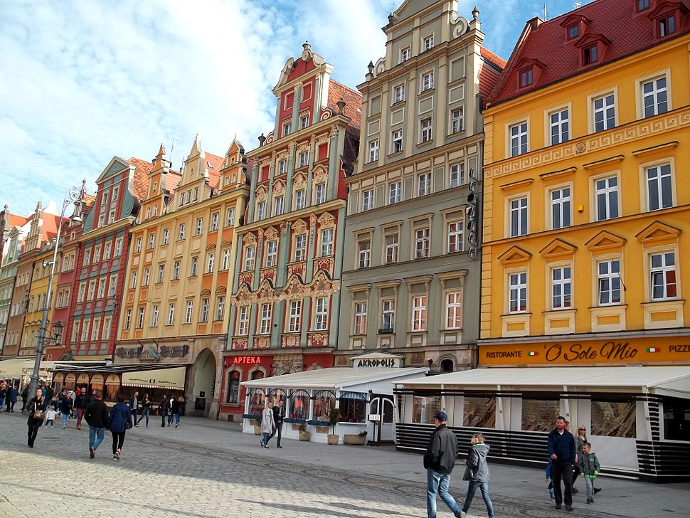 Market Square in Wroc%C5%82aw - south side