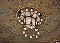 Meiningen Theater Foyer Kronleuchter.jpg