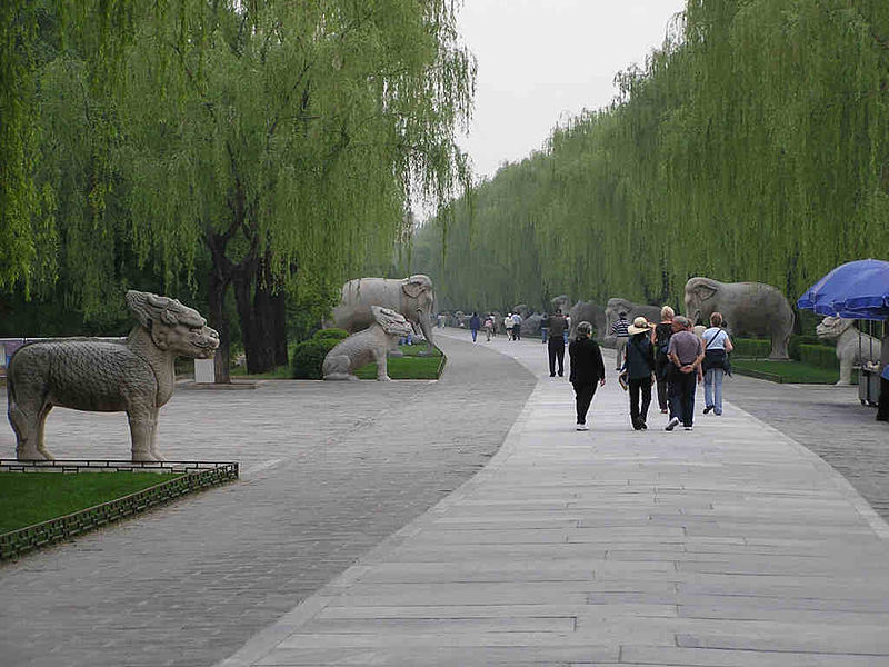 ����:Ming tombs beijing spirit way animal figures.jpg