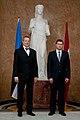 Ministru prezidents Valdis Dombrovskis tiekas ar Igaunijas prezidentu Tomasu Hendriku Ilvesu 11.10.2011. (6234456662).jpg