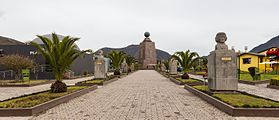 Mitad del Mundo, Quito, Ecuador, 2015-07-22, DD 02.JPG