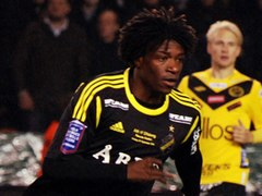 Mohamed Bangura (vs. Elfsborg in 2012, cropped).jpg