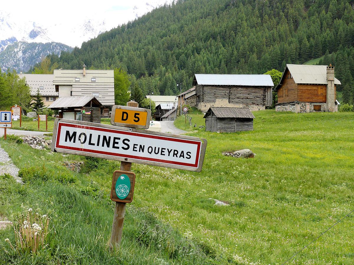 Molines-en-Queyras — Wikipédia