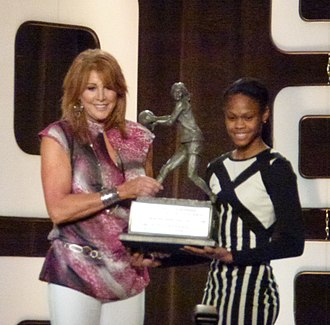 Nancy Lieberman - Lieberman presenting trophy to Moriah Jefferson.