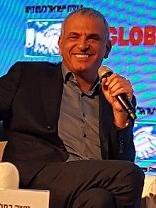 """בארה""""ב בבית הלבן החליטו ראש הממשלה הבא של ישראל יהיה כחלון  220px-Moshe_Kahlon%2C_2016"""