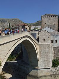 Mostar - Stari Most by Pudelek.JPG