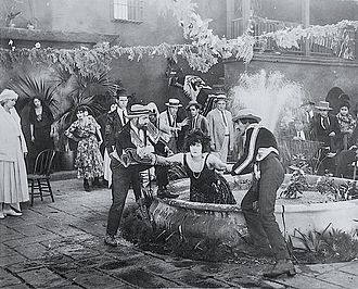 Mae Dahlberg - Actress Mae Dahlberg as Pavaloosky, in a publicity shot from Mud and Sand 1922