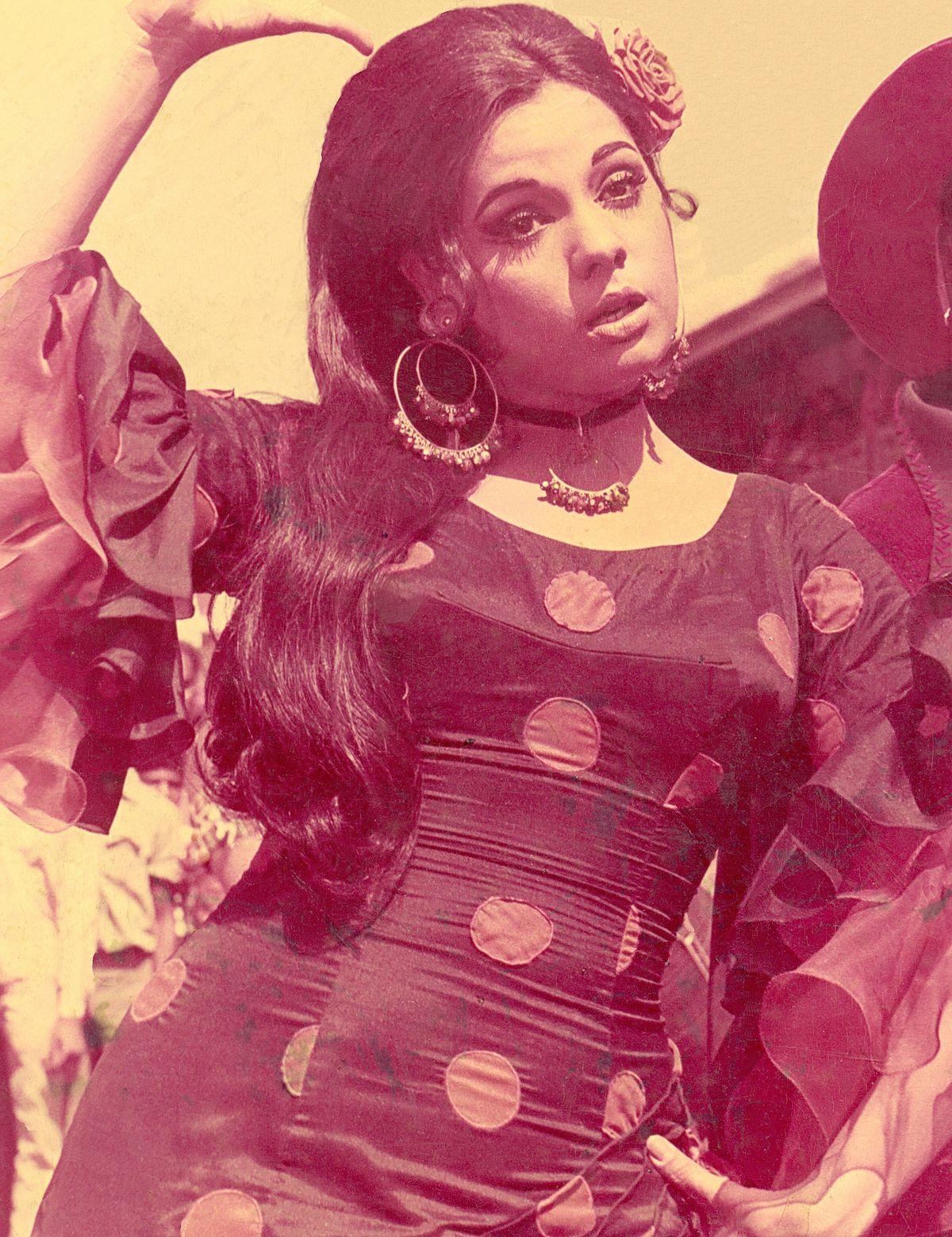 Mumtaz (actress) - Wikipedia