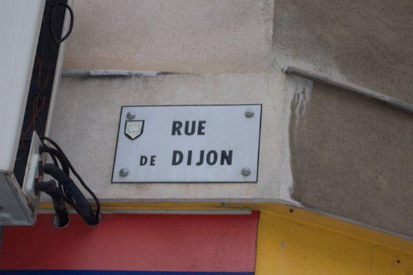 NIKAI-Dijon-Plaq2007-04-30.jpg