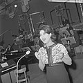 Nationaal Songfestival 1964 Anneke Grönloh, Bestanddeelnr 916-0847.jpg