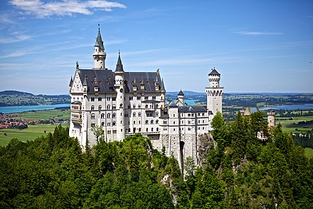 Neuschwanstein Castle in Bavaria Neuschwanstein Castle (532850).jpg