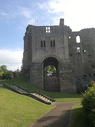 Newark Castle, Nottinghamshire - Image: Newark Castle, 06 2013 (10)