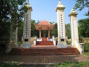 Nguyen Huu Canh - Nguyễn Hữu Cảnh Tomb in Truong Thuy Commune, Lệ Thủy District, Quang Binh