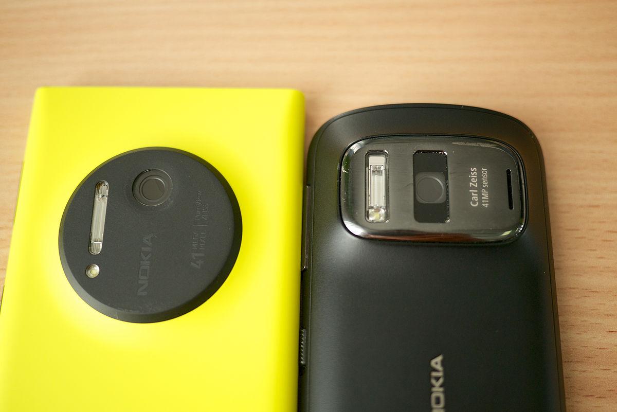 File:Nokia Lumia 1020 vs  Nokia 808 PureView - (1) jpg