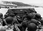 Les premières vagues d'assaut de l'armée américaine à Omaha Beach, le 6 juin 1944.