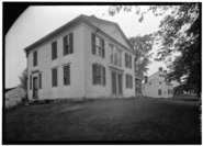 OBLIQUE VIEW SHOWING DORIC FREIZE AND FRAME CONSTRUCTION - Scott House, State Route 57, Granville, Hampden County, MA HABS MASS,7-GRANV,2-1