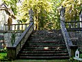 Ognon (60), parc d'Ognon, le grand escalier desservant les deux gloriettes 02.jpg