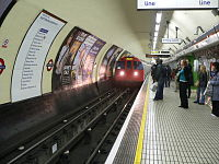 Oxford Circus Bakerloo Line northbound.jpg