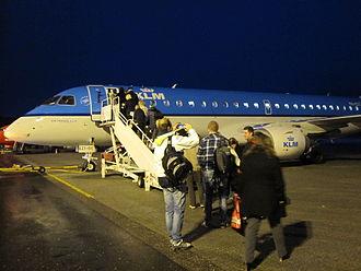 Kristiansand Airport, Kjevik - Passengers boarding an Embraer 190 of KLM Cityhopper at Kjevik in 2013