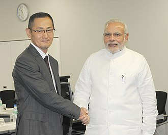 Shinya Yamanaka - Prime Minister of India Narendra Modi visiting Shinya Yamanaka at CiRA, Kyoto University.